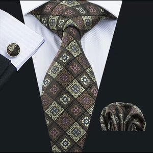 Other - Men's Silk Coordinated Tie Set, Brown Squared